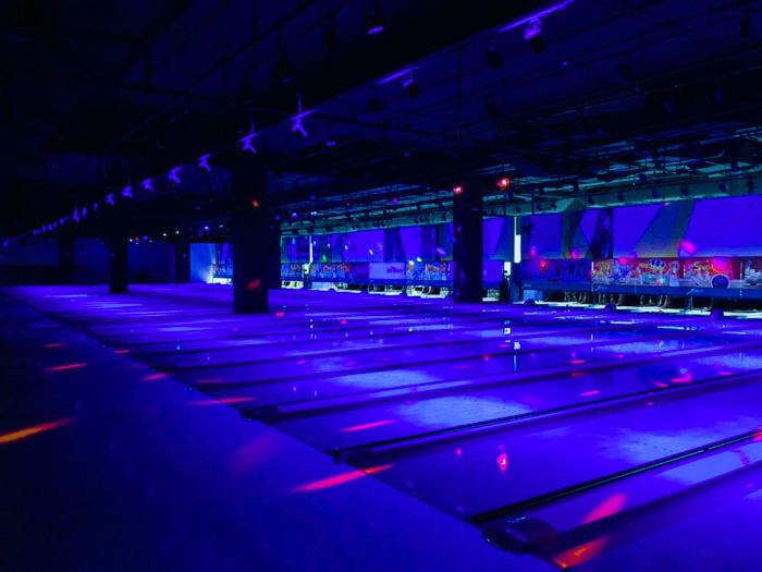 cosmic-bowling